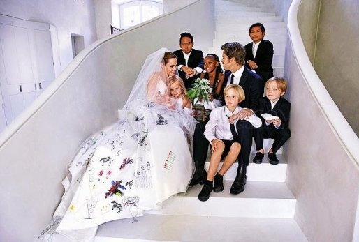 Brad-Pitt-Angelina-Jolie-Wedding-Photo.jpg